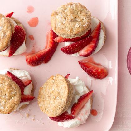 mini-strawberry-shortcakes-xl.jpg