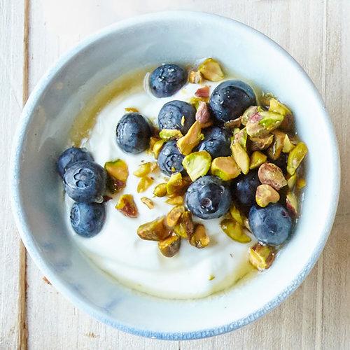 1601p108-syyol-berry-pistachio-yogurt.jpg
