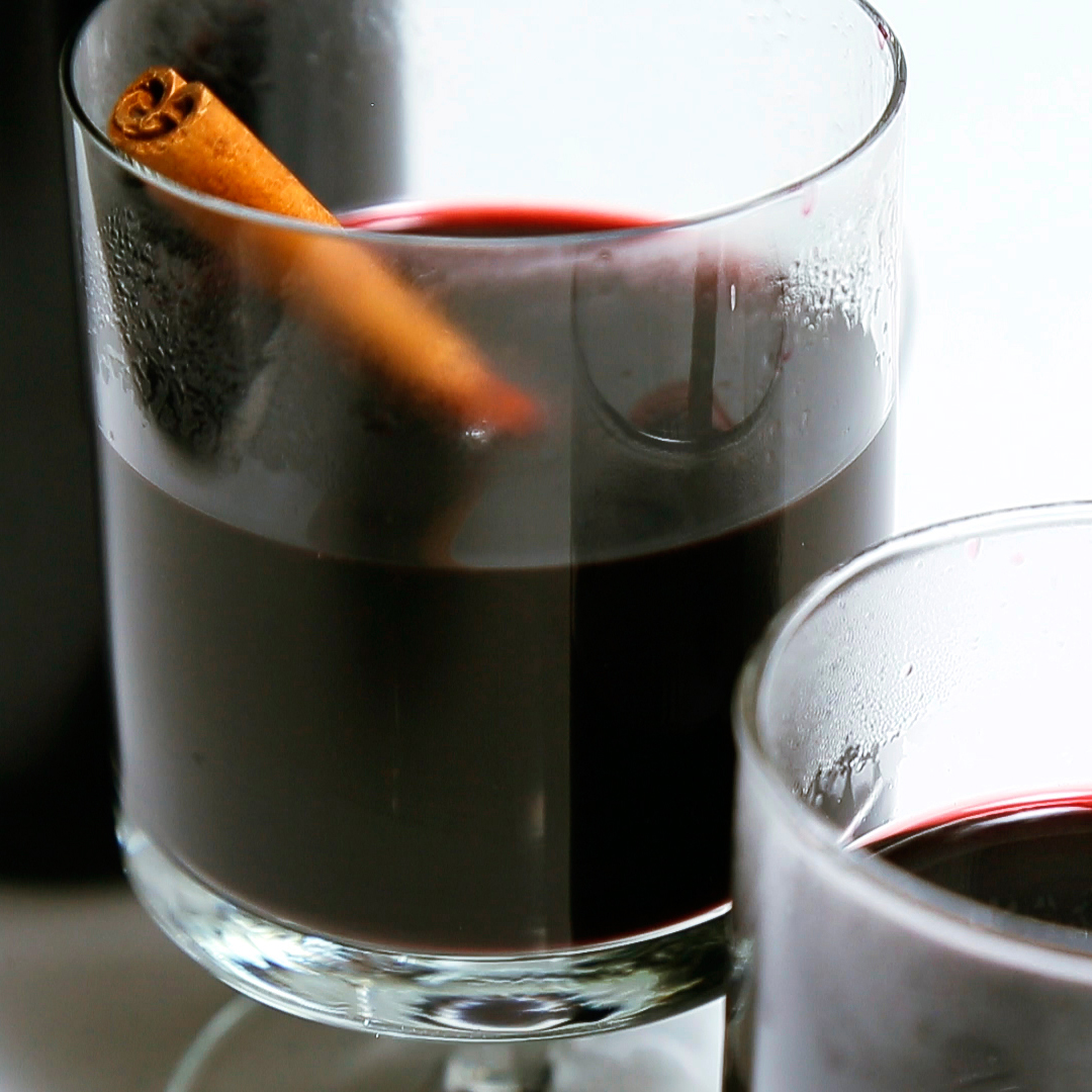 Blackberry Cardamom Mulled Wine