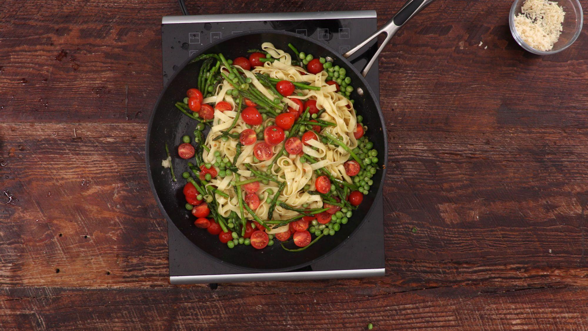 Pasta Primavera with Asparagus, Peas, and Prosciutto image