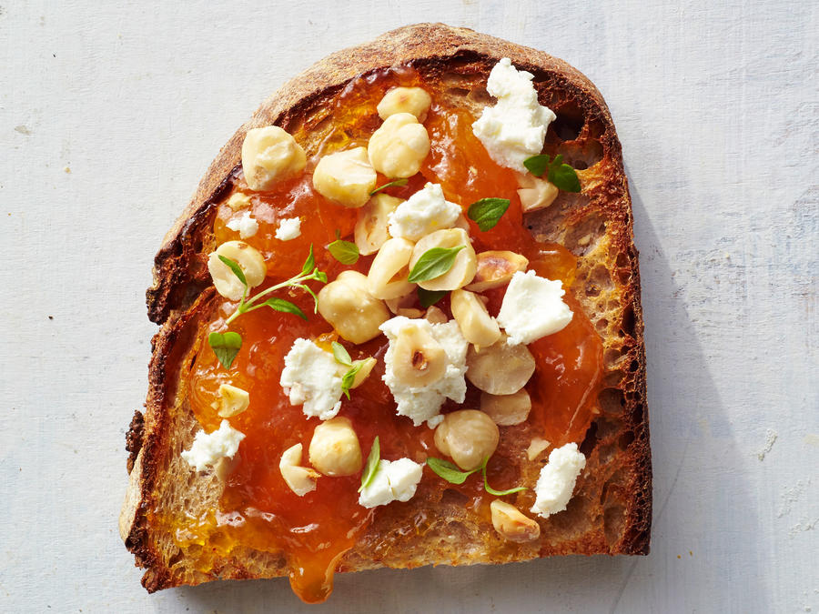 Apricot-Hazelnut Toast