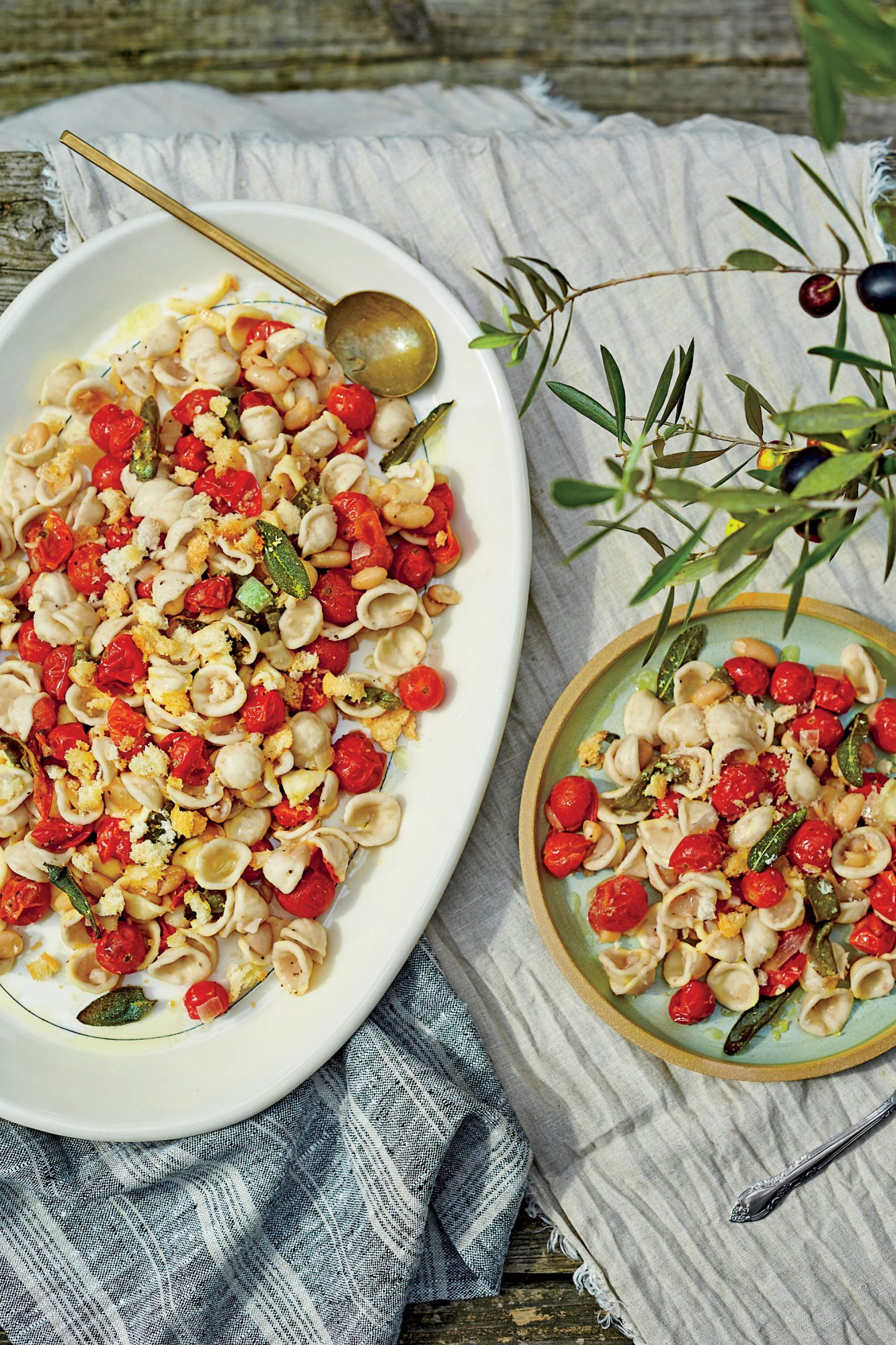 pasta-with-beans-blistered-tomatoes-and-breadcrumbs