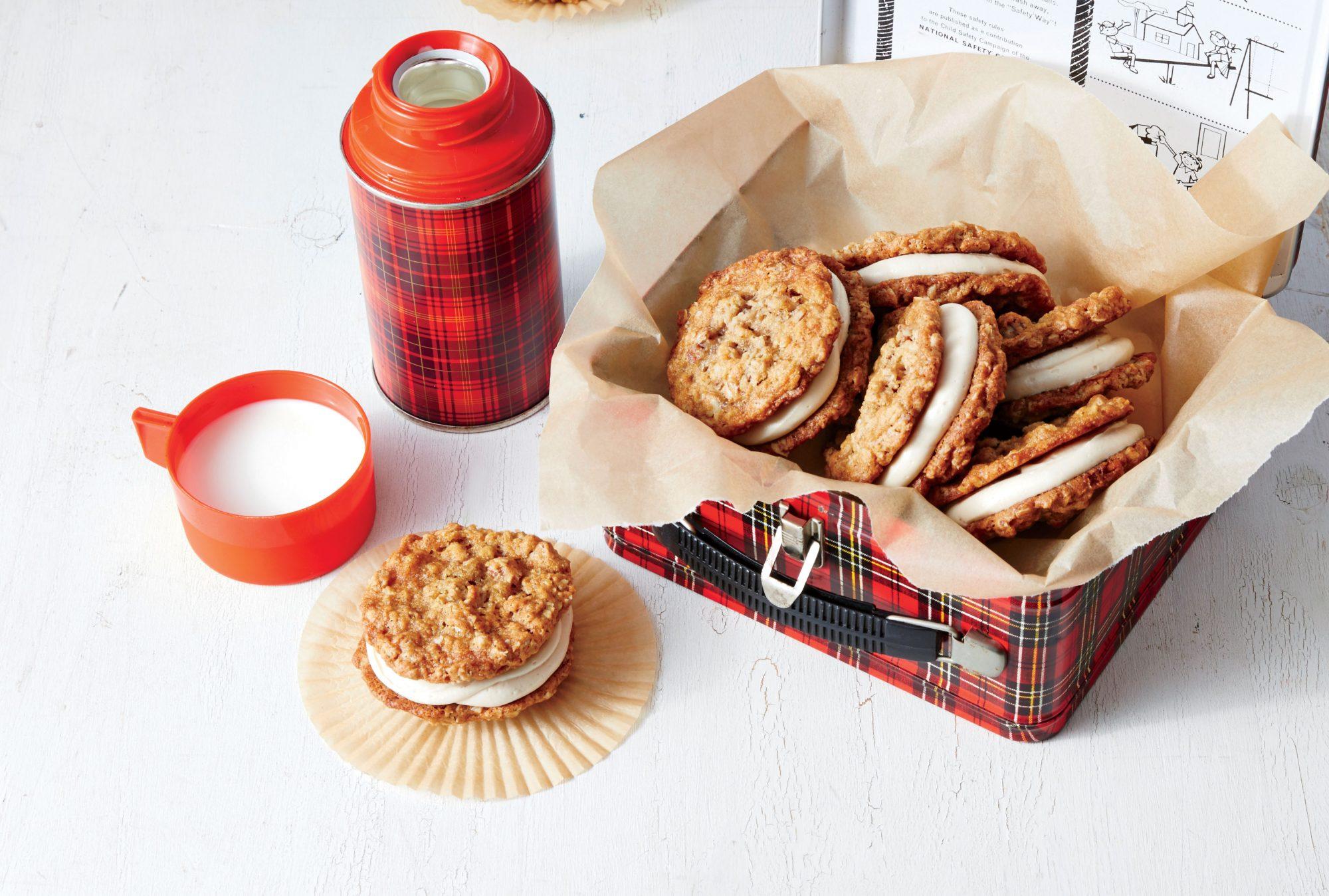 Oatmeal-Caramel Cream Pies