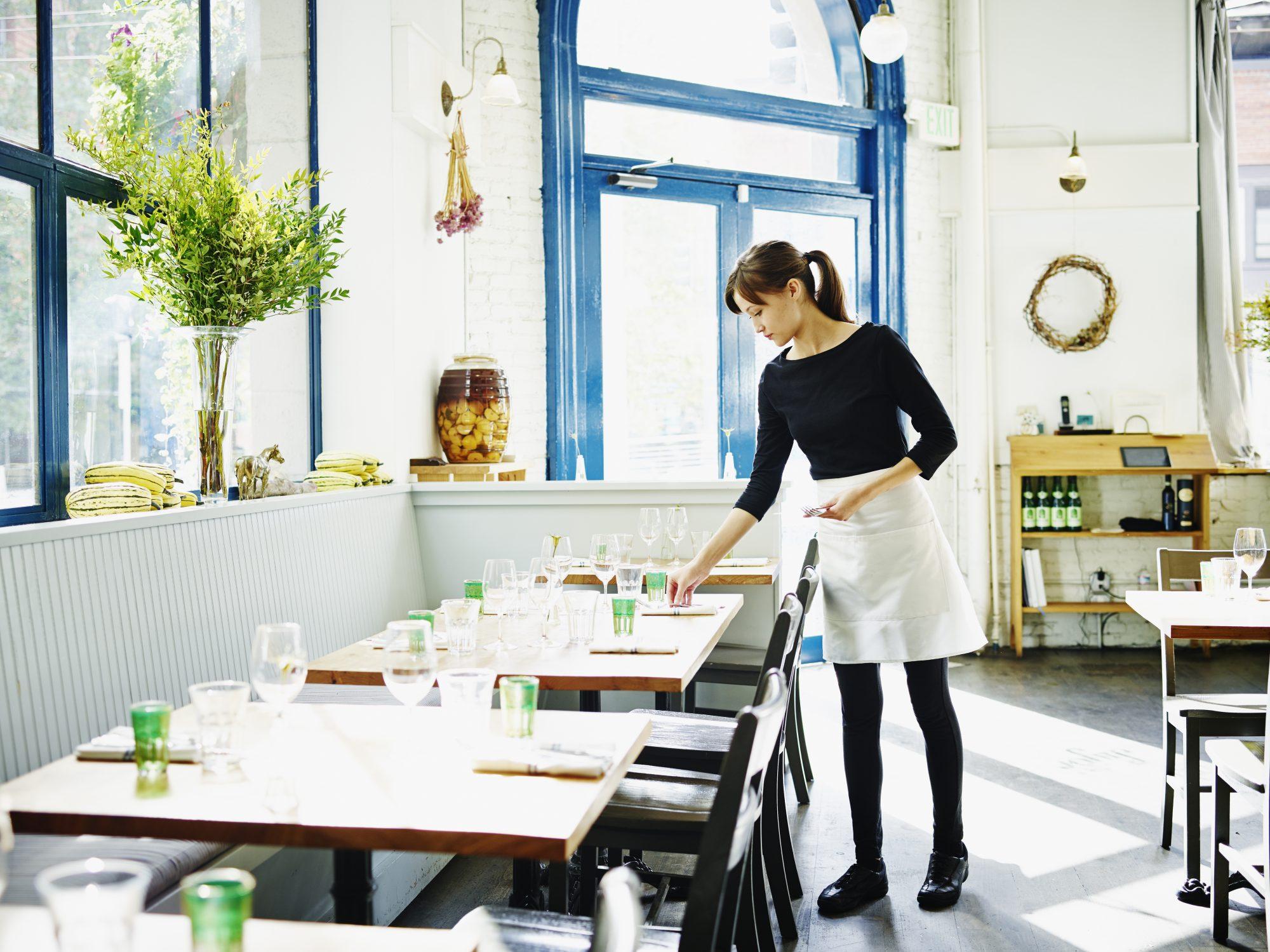 getty-waitress-image