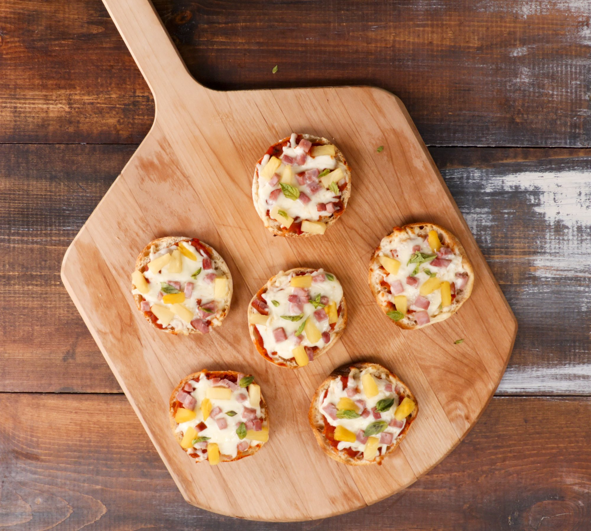 wd-Hawaiian English Muffin Pizza
