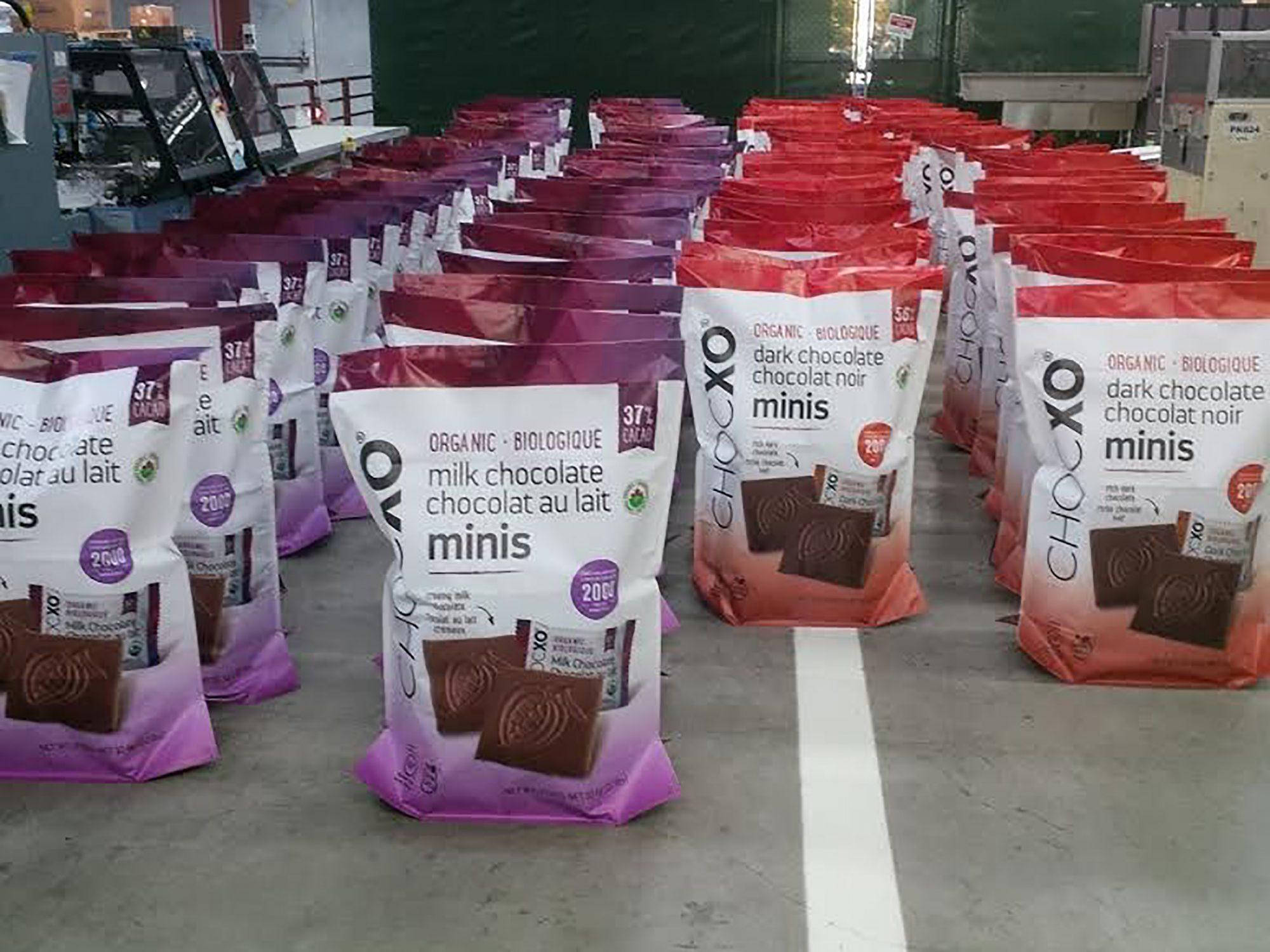 1801w-22-Pound-Bag-of-Chocolate.jpg