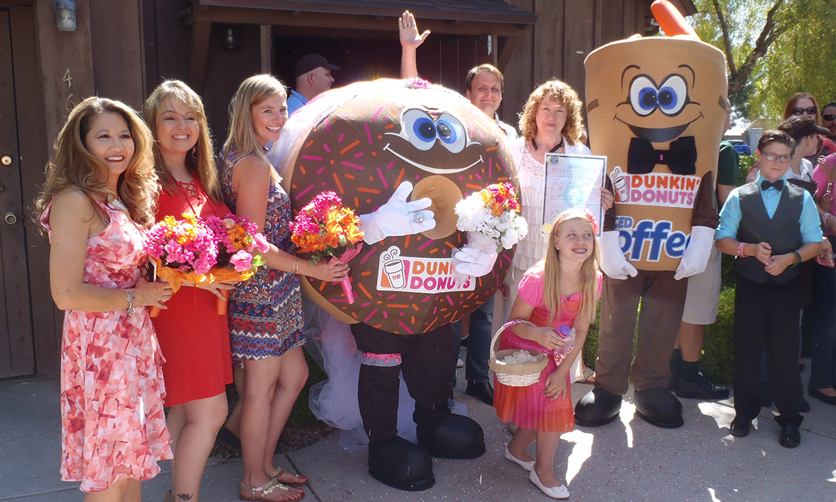 EC:  assets%2Fmessage-editor%2F1464985341942-doughnut-marries-coffee-wedding-party-inline