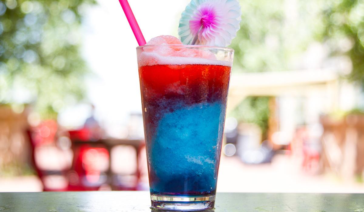 EC:  assets%2Fmessage-editor%2F1467997379314-slurpee-cocktail-blue-red