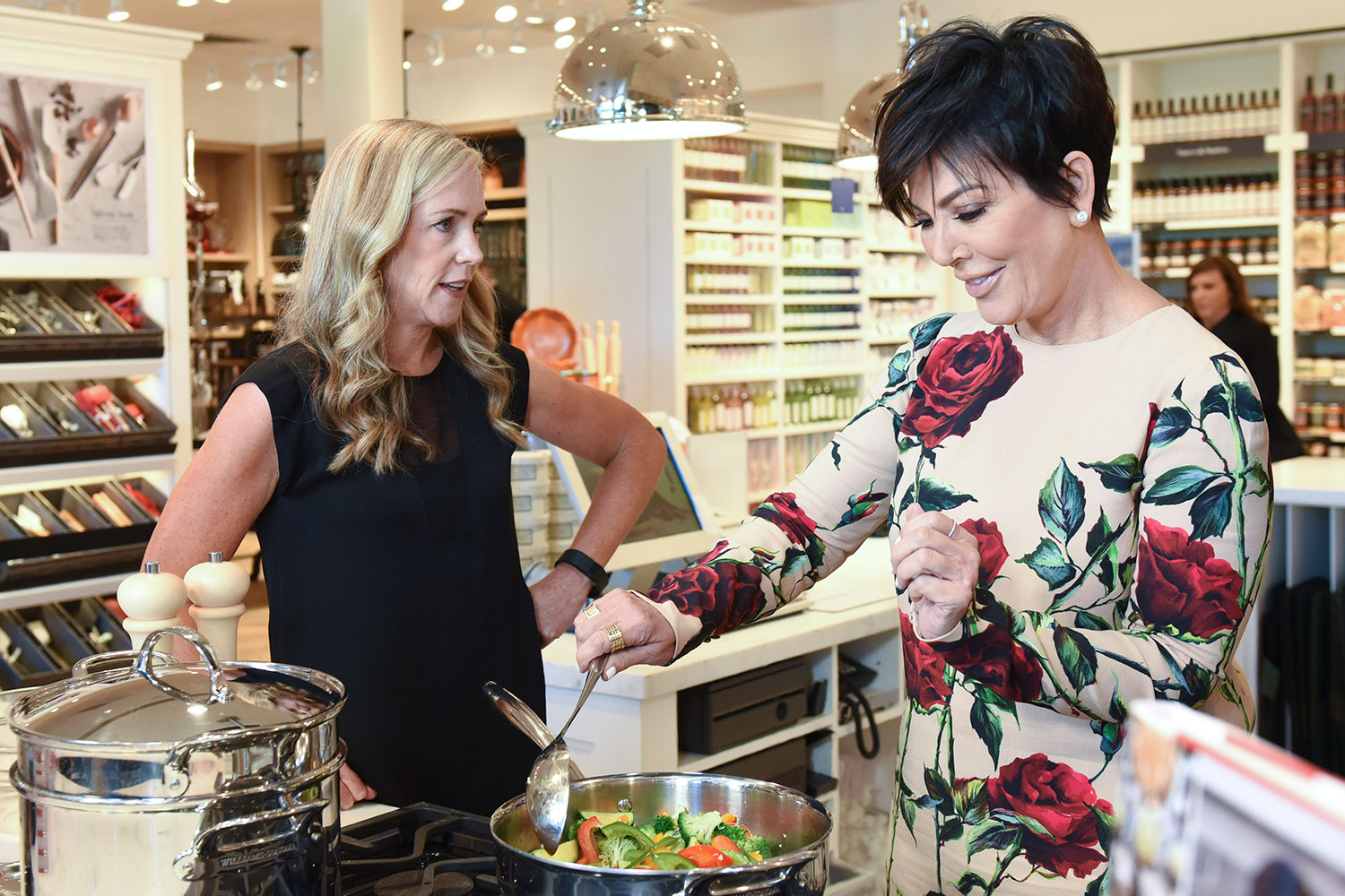 EC:  assets%2Fmessage-editor%2F1469068380279-kris-jenner-cooking-inline-getty