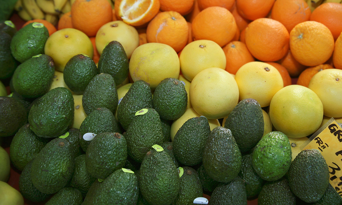 EC:  assets%2Fmessage-editor%2F1473280019898-avocado-citrus-fruits-grocery