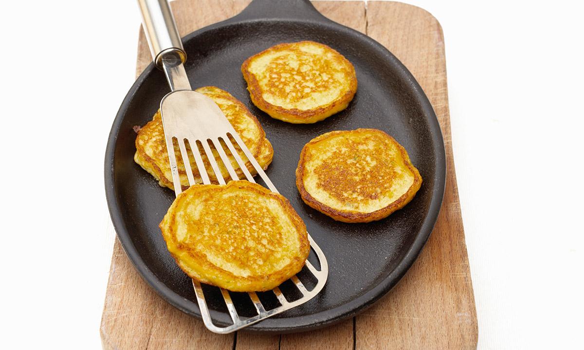 EC:  assets%2Fmessage-editor%2F1474481688933-pancakes-fish-spatula