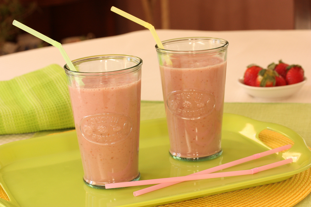 EC:  assets%2Fmessage-editor%2F1474923208350-smoothies