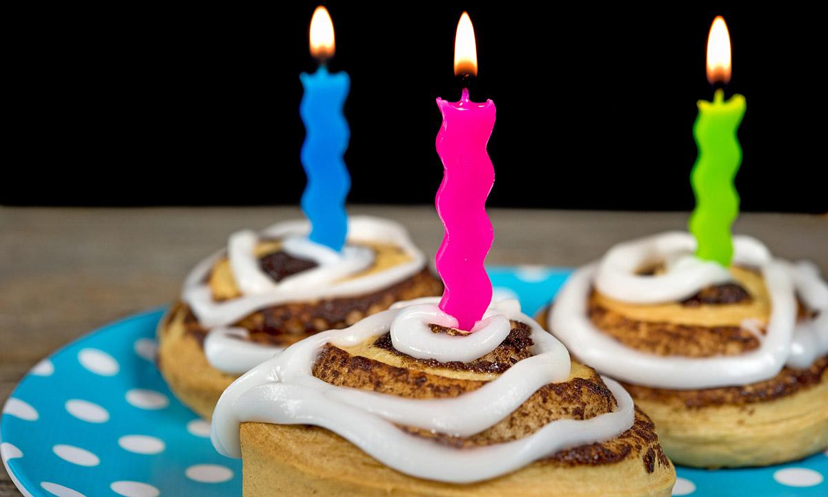 EC:  assets%2Fmessage-editor%2F1475285285994-birthday-cinnamon-buns