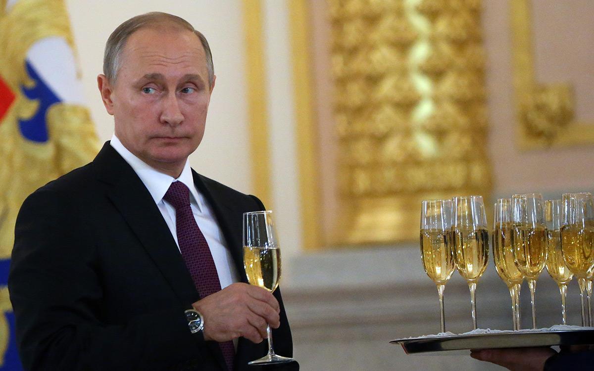EC:  assets%2Fmessage-editor%2F1484787222330-putin-champagne-inline