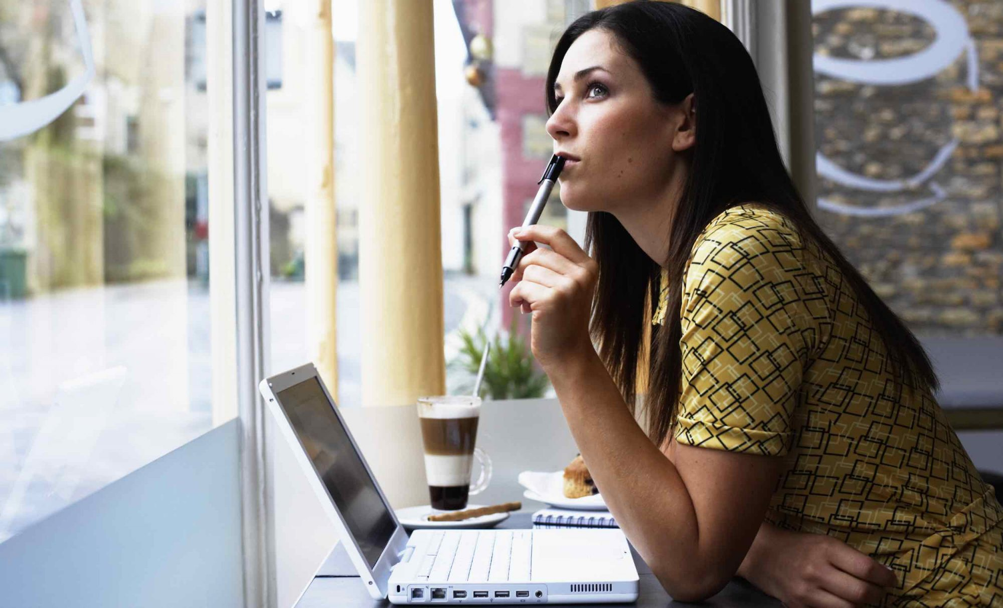 coffee shops less distracting than office