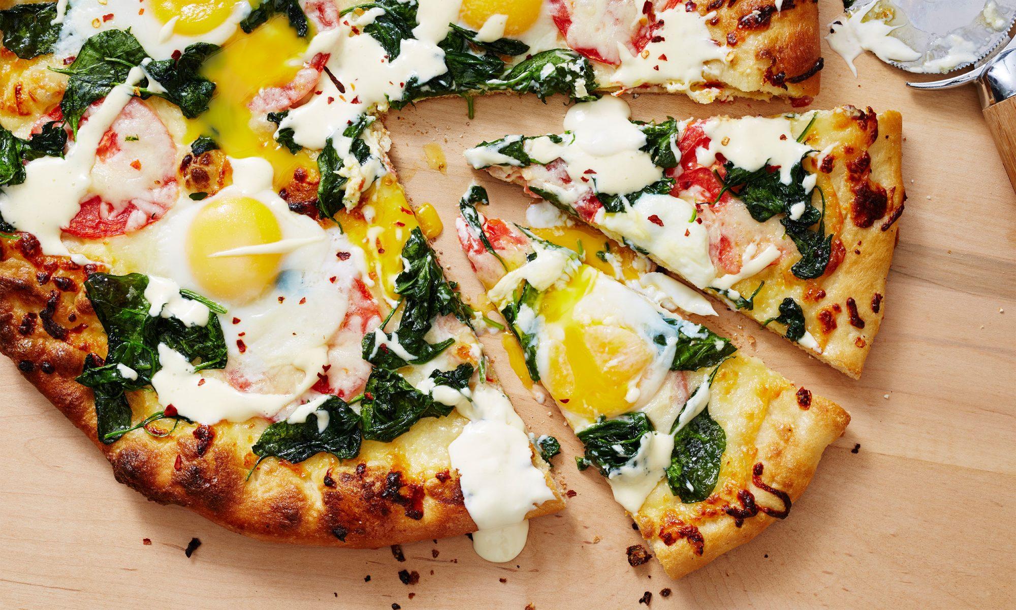 eggs florentine breakfast pizza video hero