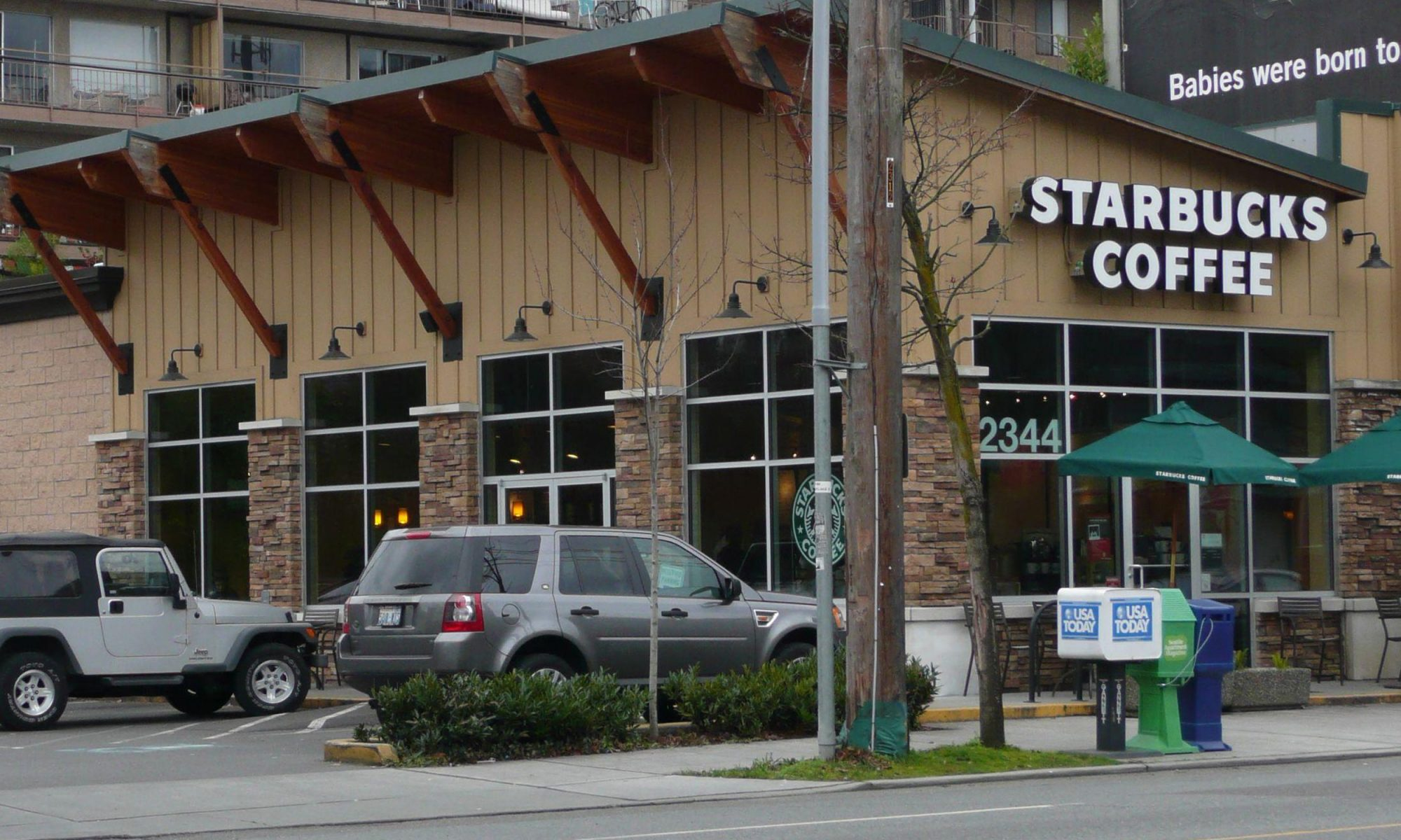 EC: Starbucks Curbside Pickup Is Your New Method of Caffeination