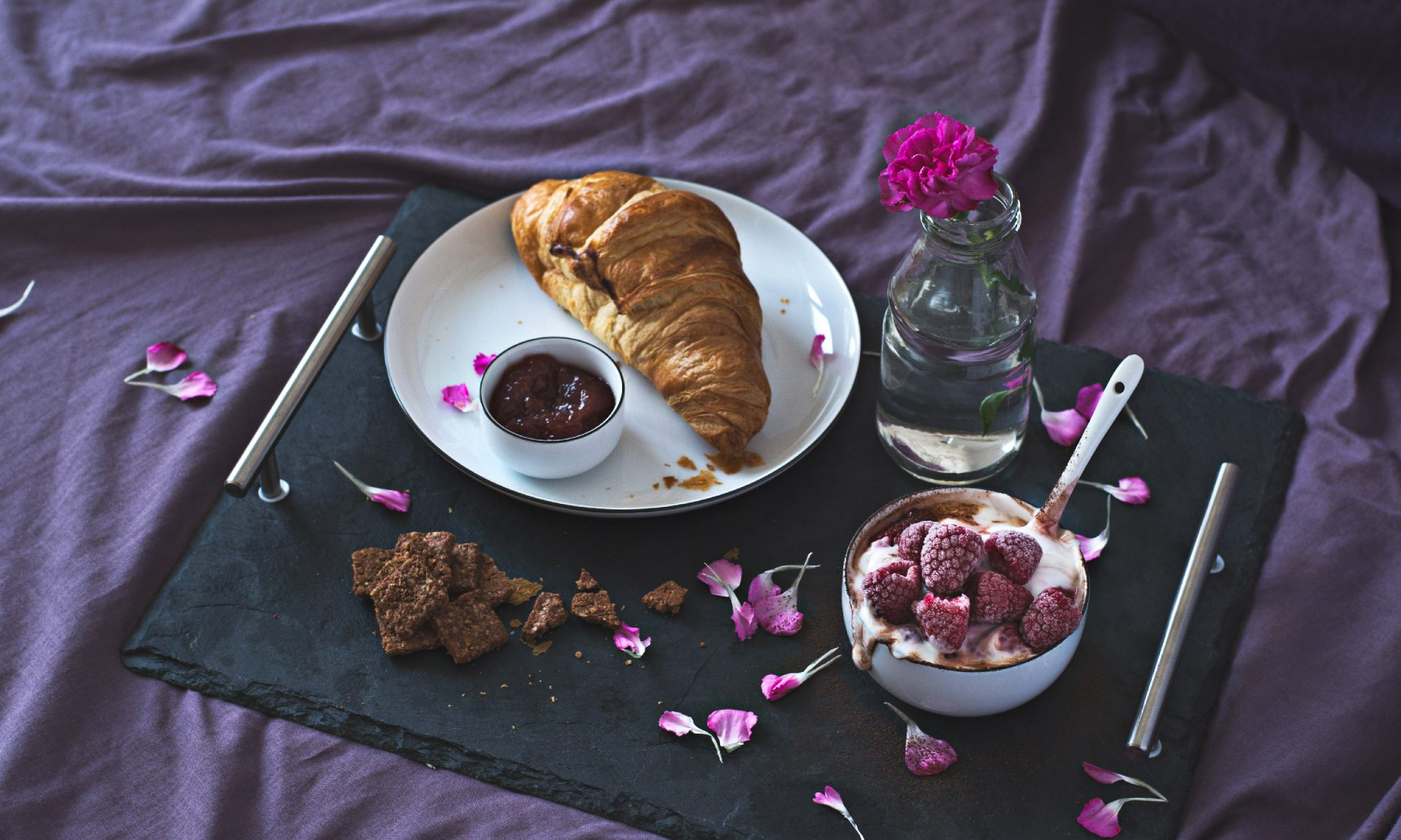 EC: Give the Sexy Gift of Breakfast in Bed