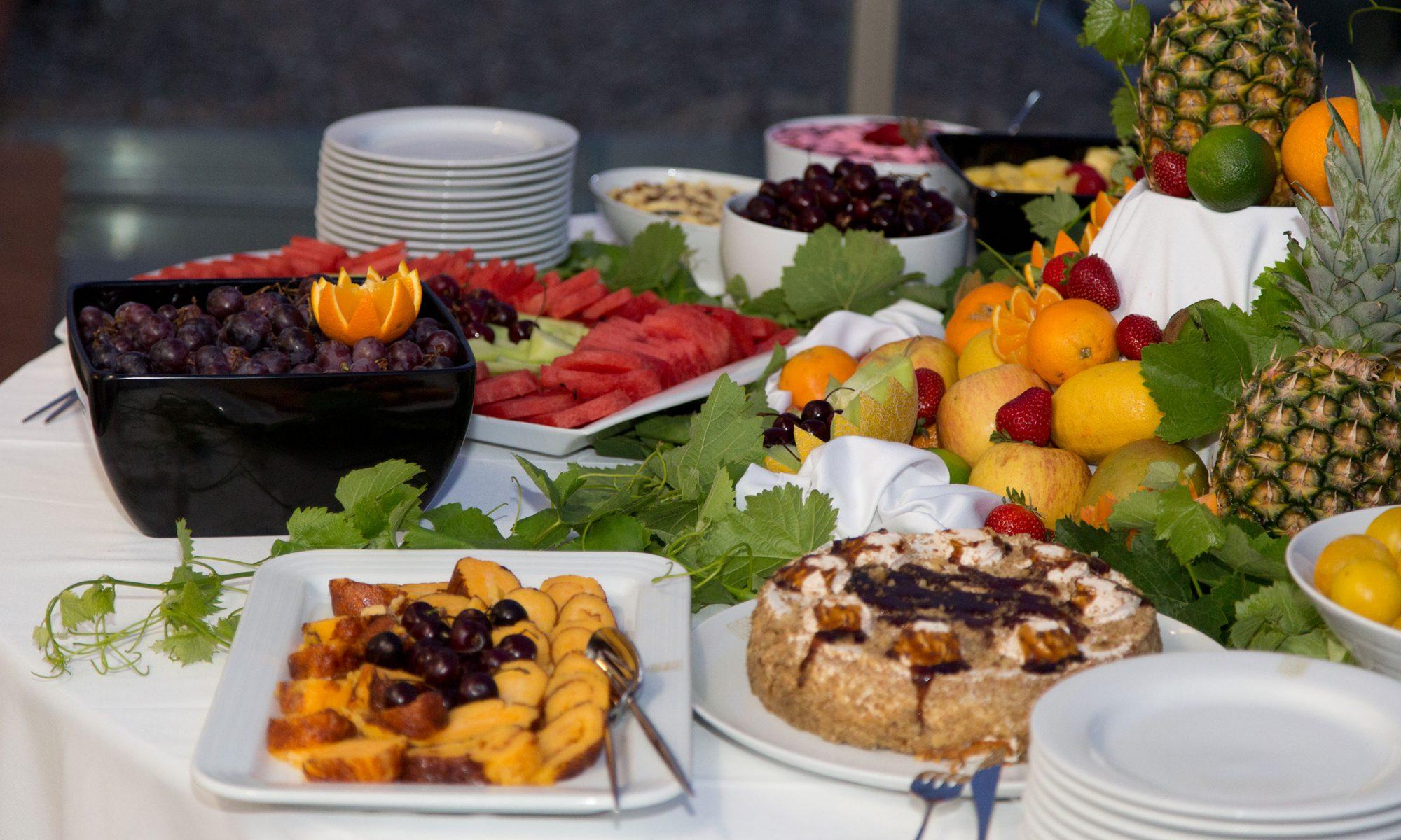 EC: An Ode to the Hotel Breakfast Buffet