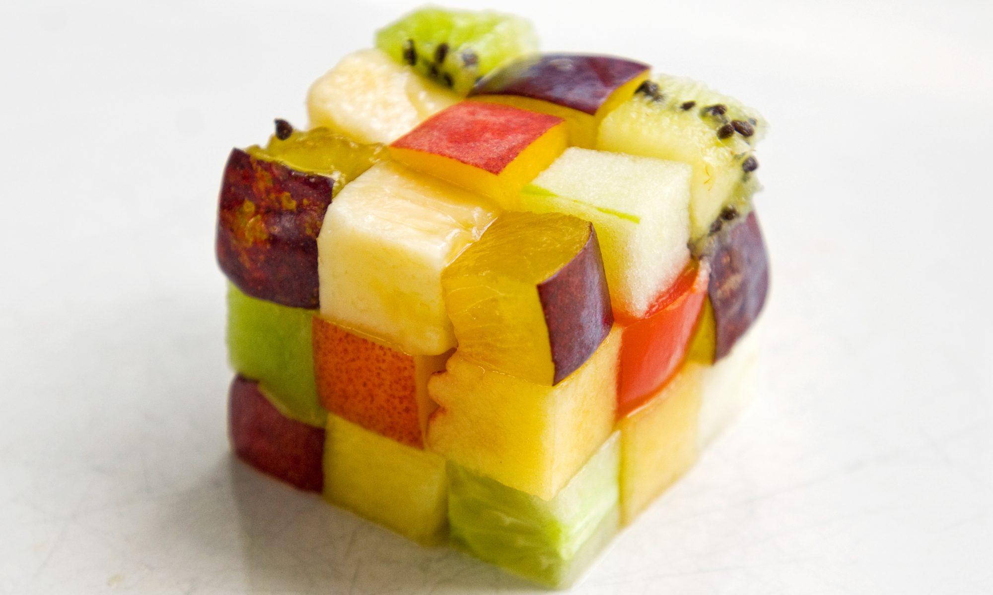 EC: Should You Buy Fruit Pre-Cut or Whole?