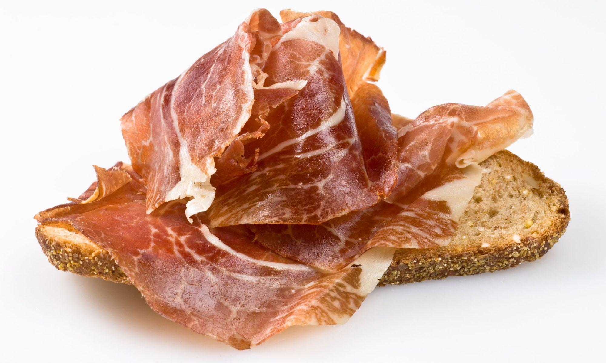 EC: Merienda Is the Spanish Second Breakfast You Should Be Eating
