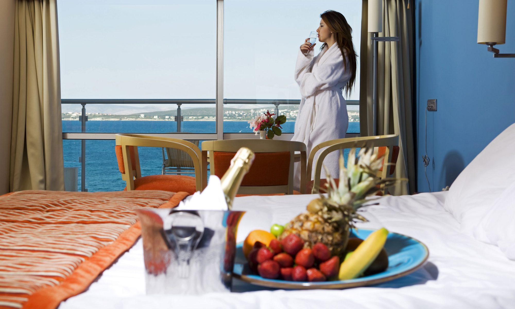 EC: An Affair with Hotel Breakfast