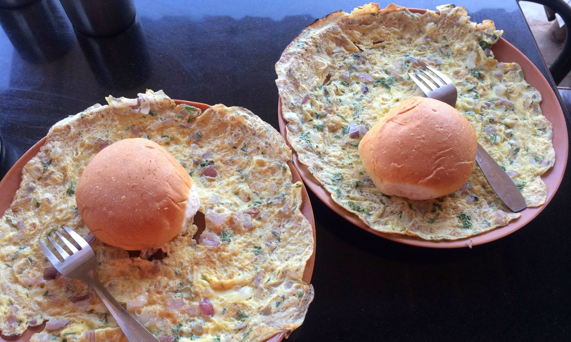 EC: Mumbai's Irani Cafe Breakfasts Will Get You Out of Bed