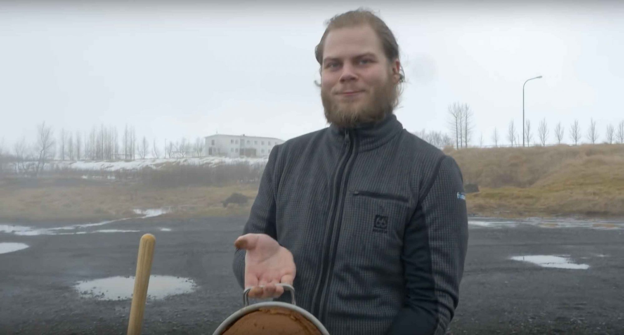 EC: Meet the Icelandic Guy Who Bakes Delicious Bread in a Volcano