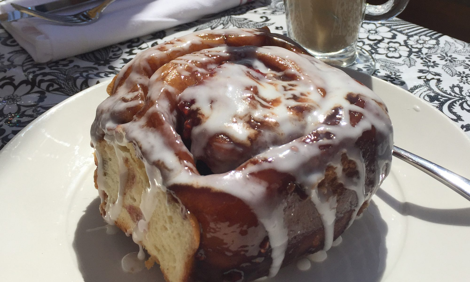 Brown Sugar Cinnamon Rolls Are County Fair-Level Excellent