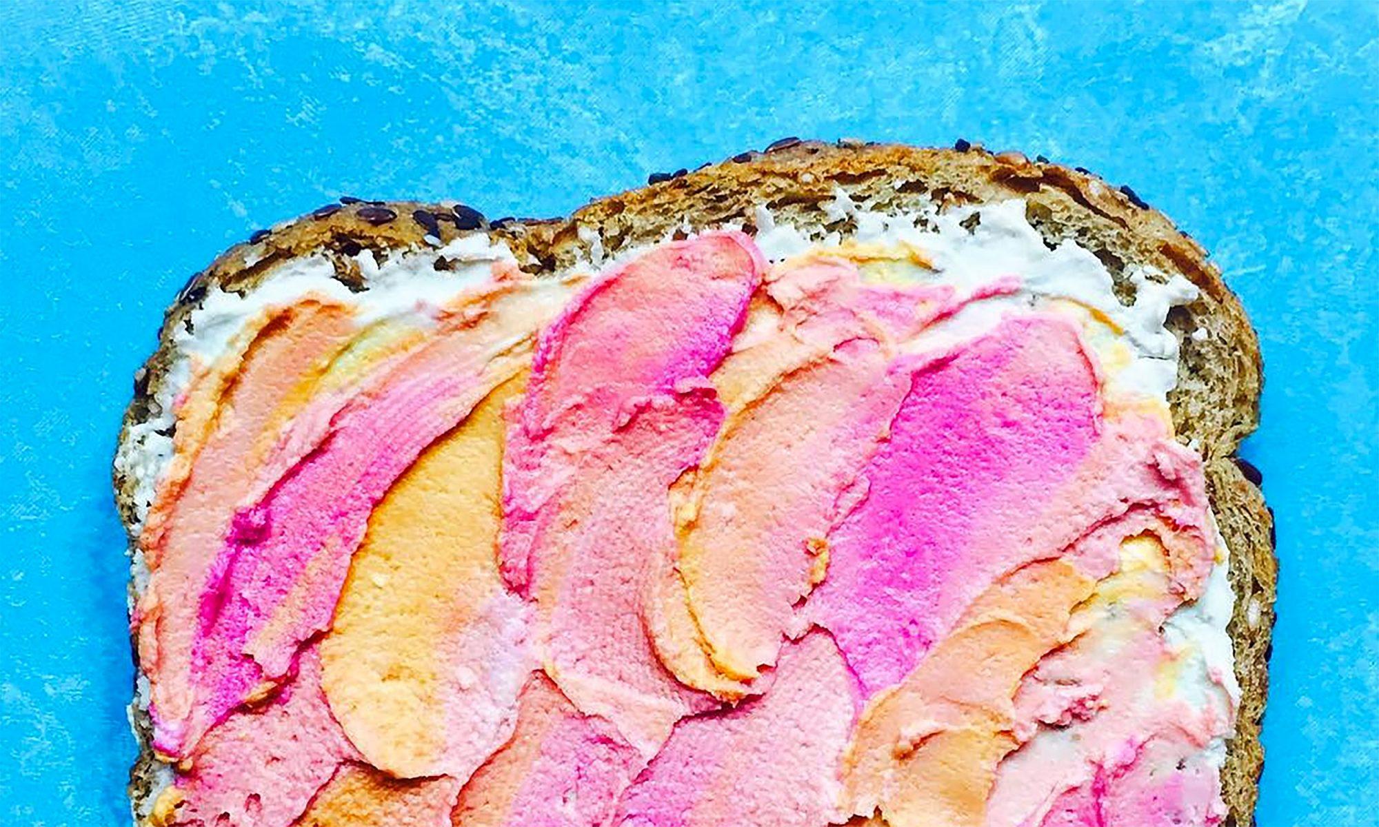 EC: Unicorn Toast Is the Next Rainbow Food Trend