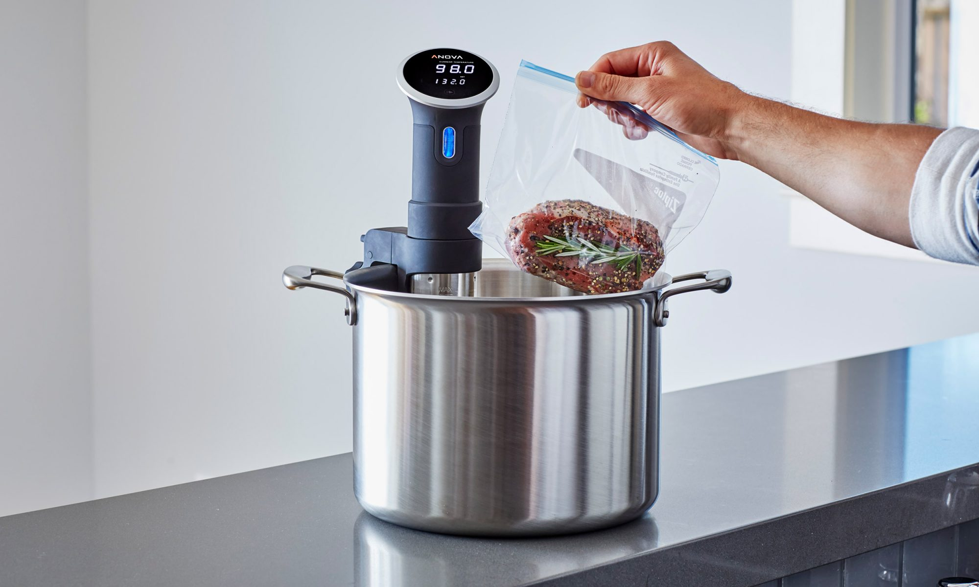 EC: The Best Kitchen Gift for Your Parents Is a Smart Sous Vide