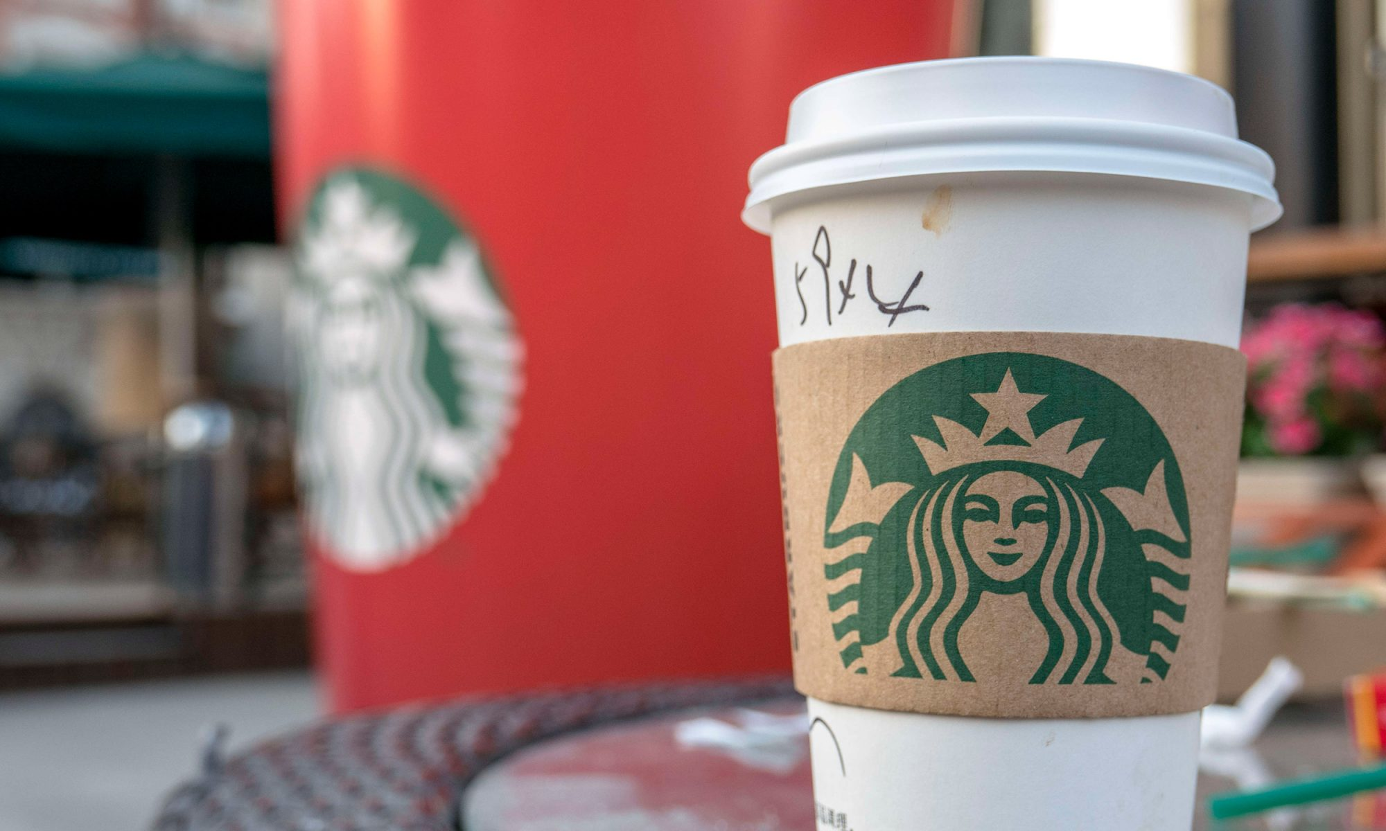 EC: This Is How Much a Cup of Starbucks Coffee Costs Around the World