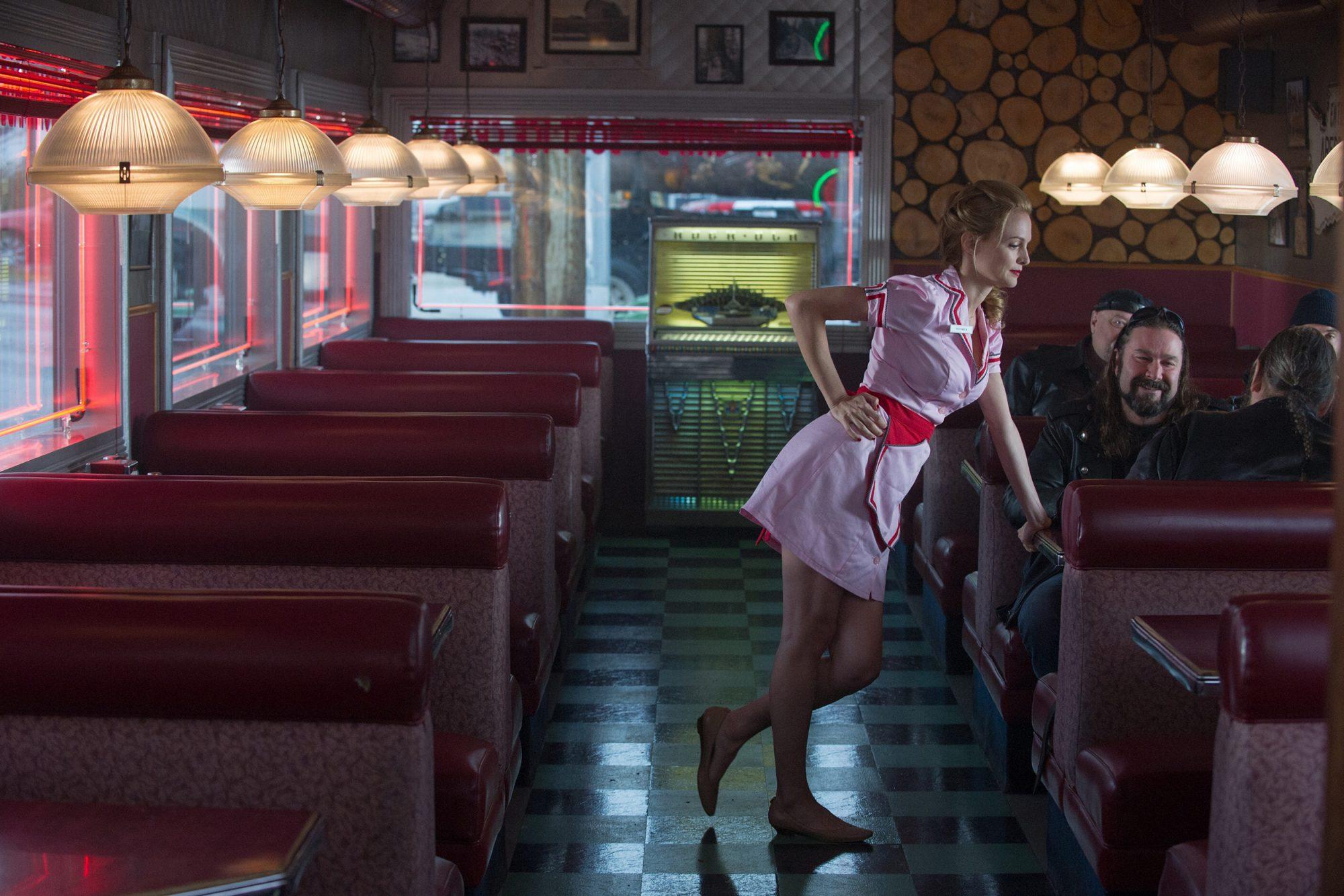 EC: 9 Insane Diner Server Stories
