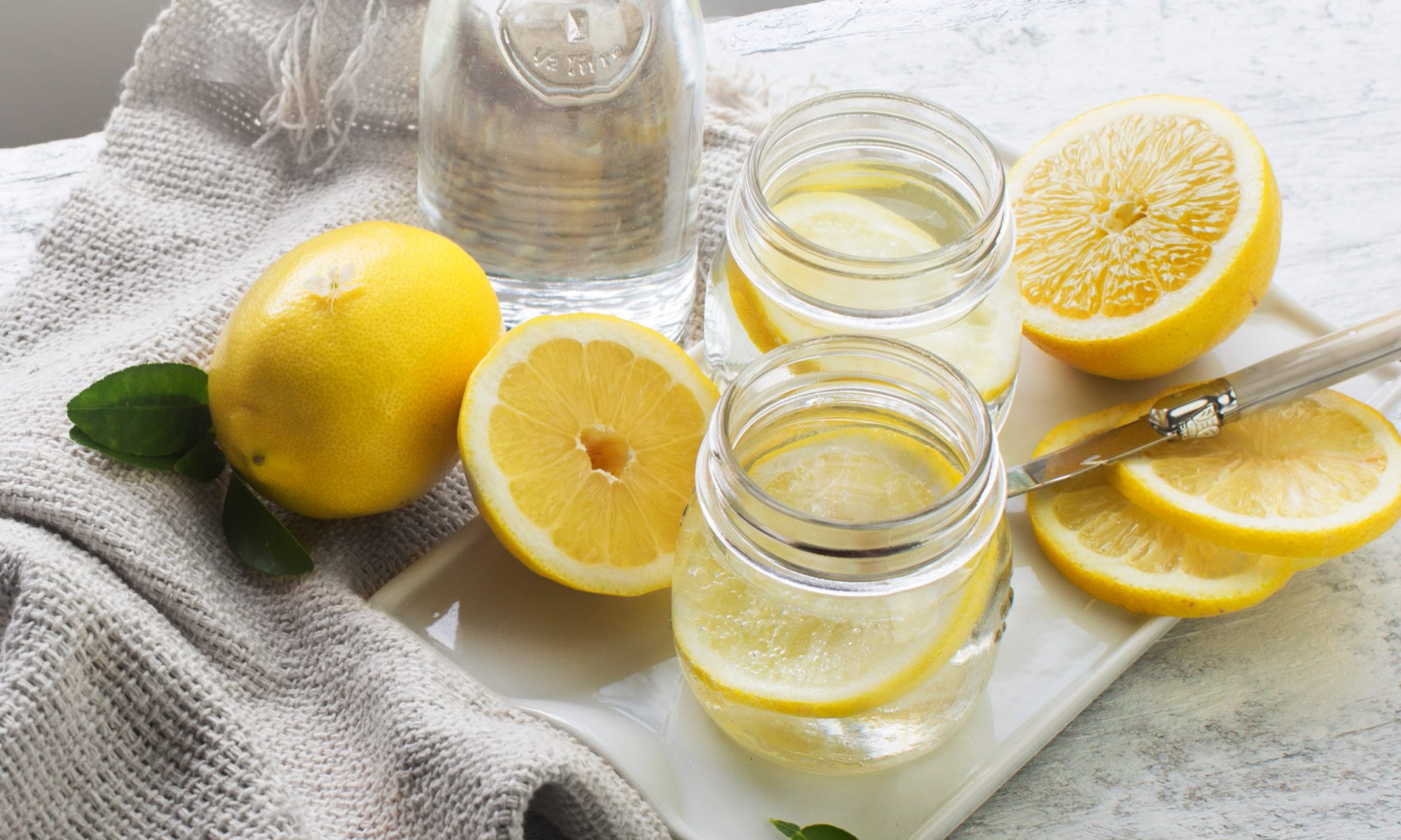EC: Drinking Water with Lemon in the Morning Is Good for You