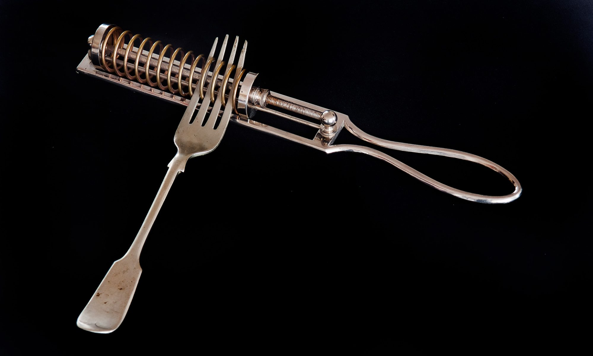 EC: These Old Kitchen Gadgets Look Strange but People Actually Used Them