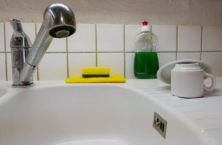 EC: Microwaving Your Kitchen Sponge Won't Sanitize It