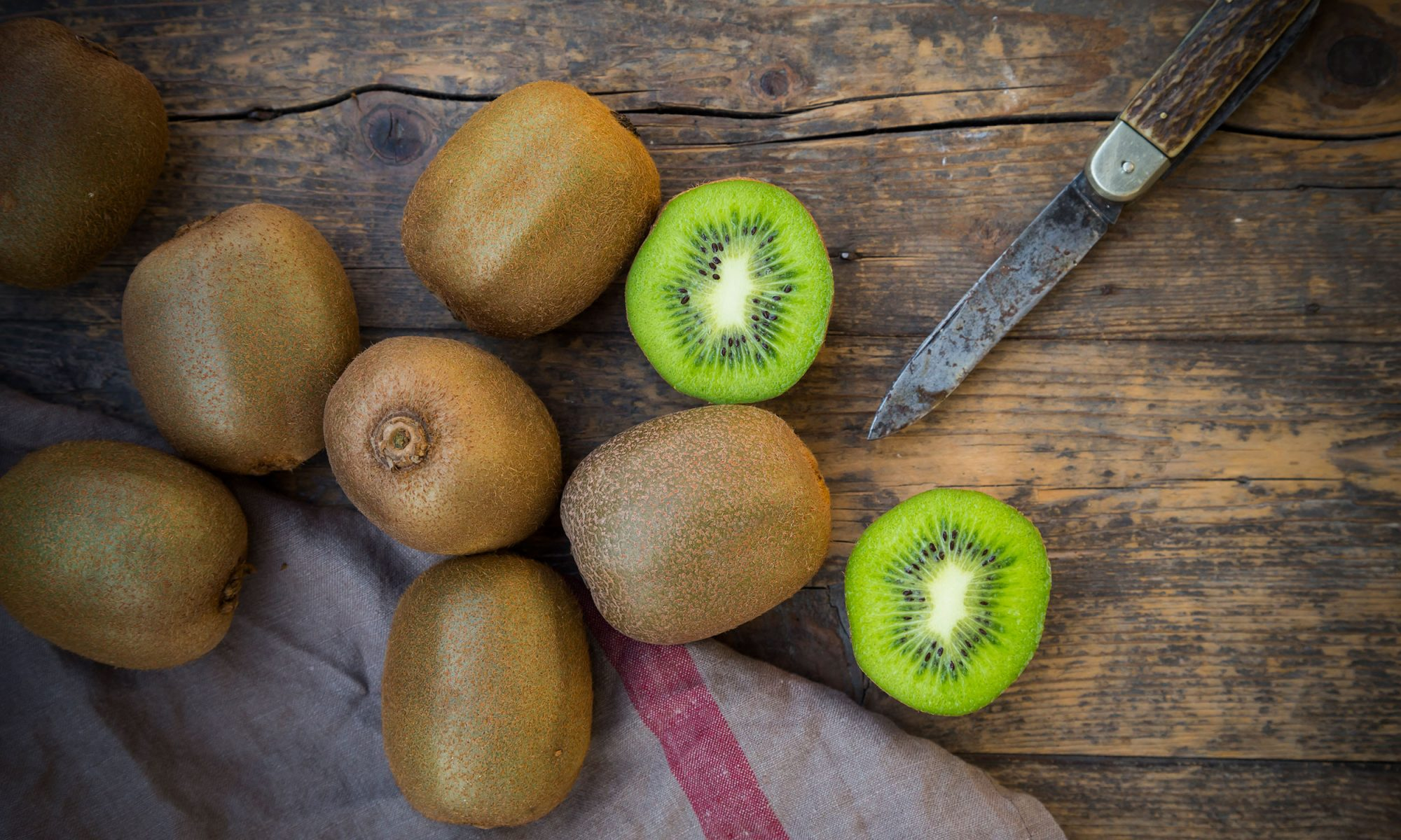 EC: Is It Safe to Eat the Skin of a Kiwi?