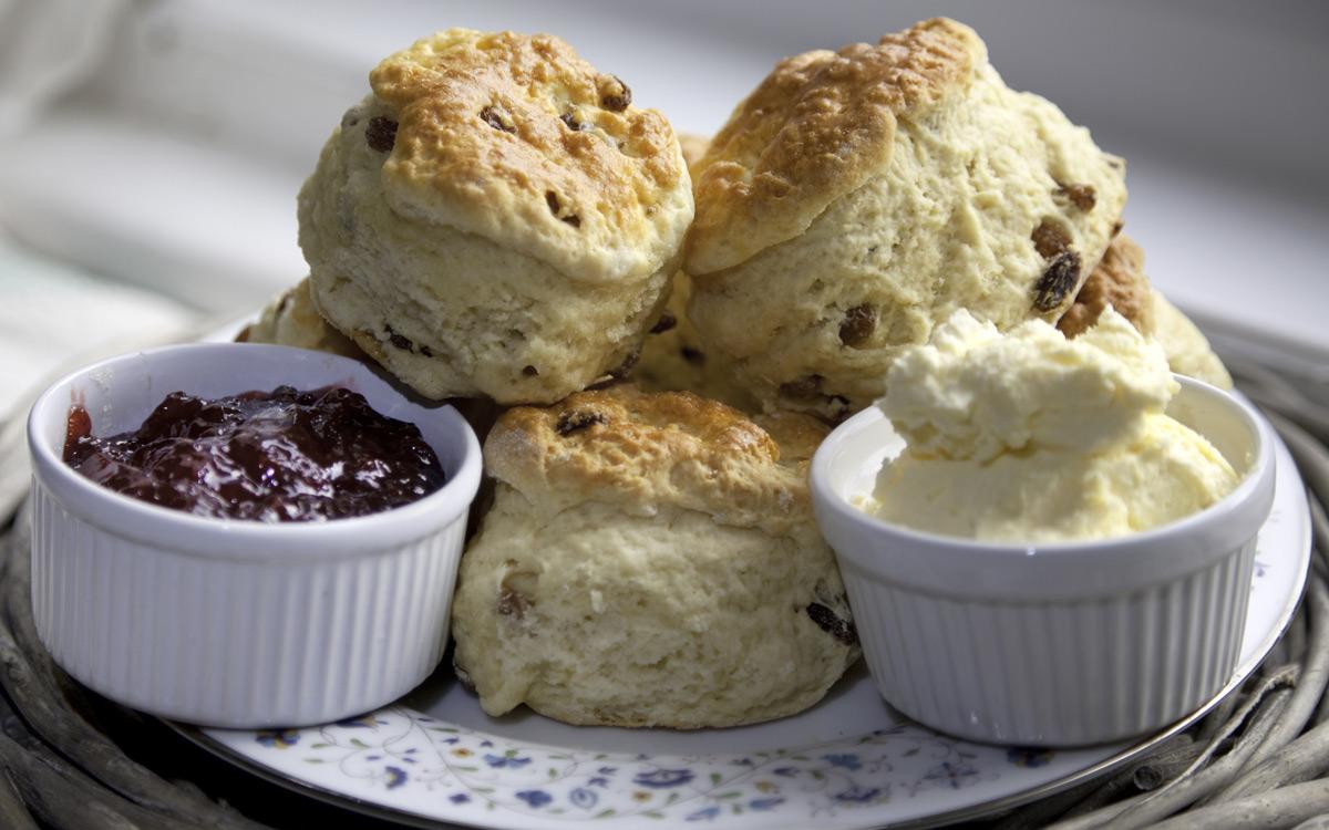 EC:  message-editor%2F1486653560516-scones-jam-cream-inline