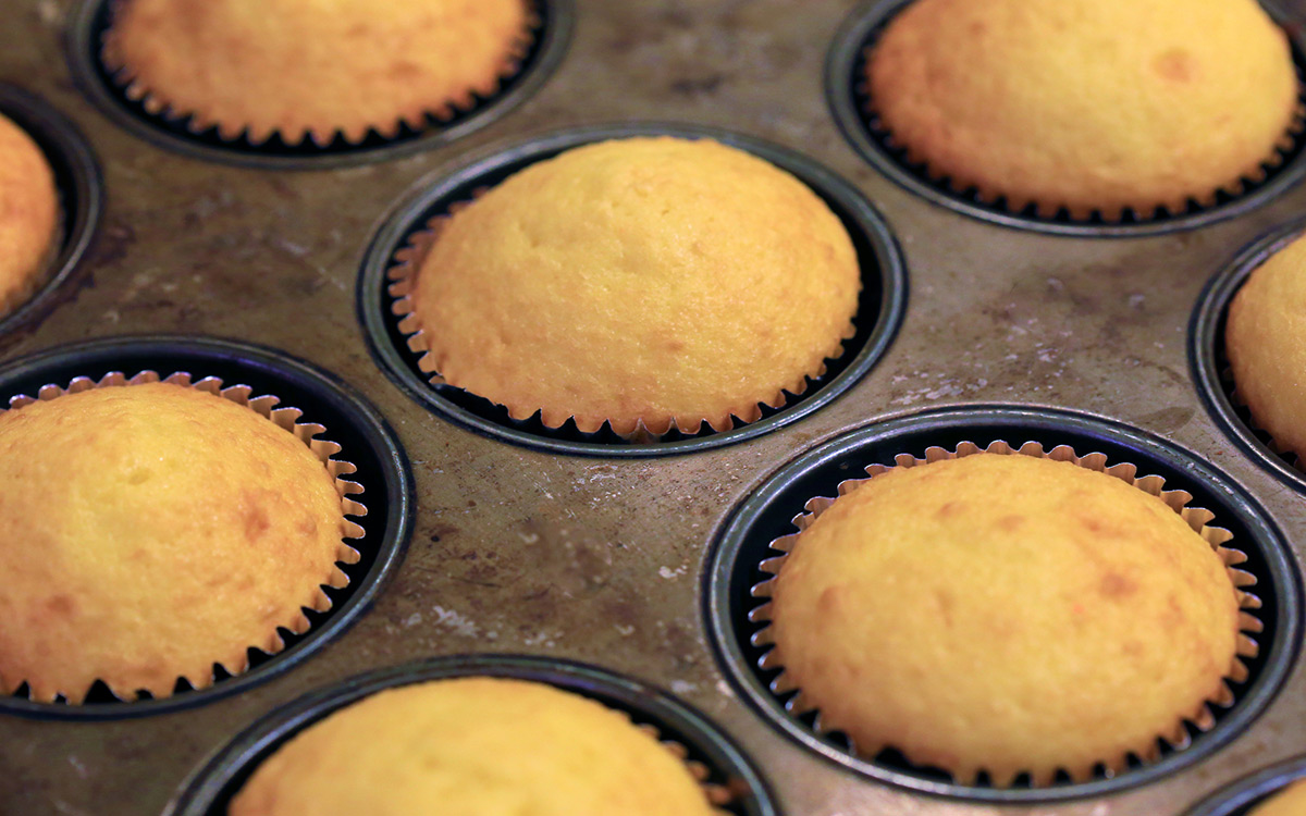 EC:  message-editor%2F1490817432994-muffins-rising