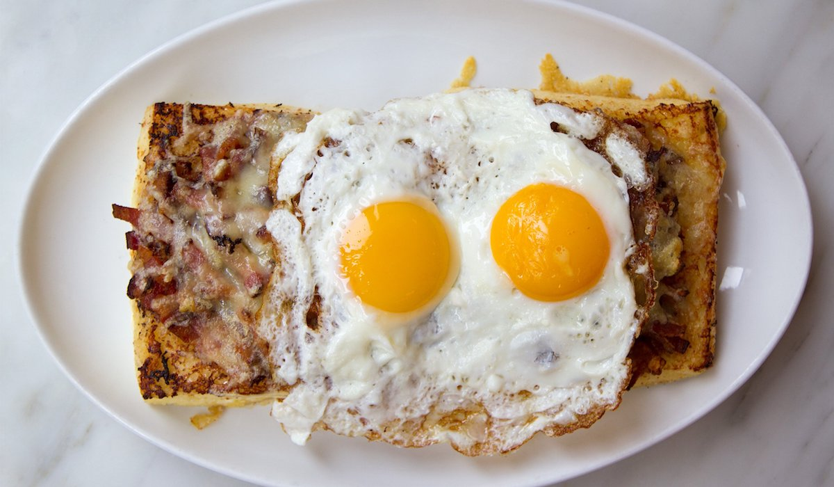 EC:  message-editor%2F1493845602145-kirsch-bakery-bacon-egg-and-swiss-savory-french-toast-hero
