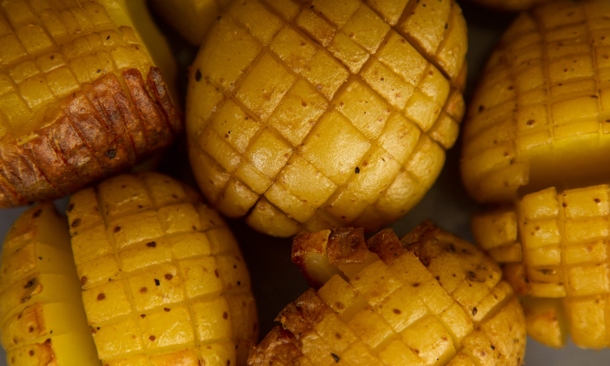 EC: Crosshatched Hasselback Potatoes Are Your New Party Trick