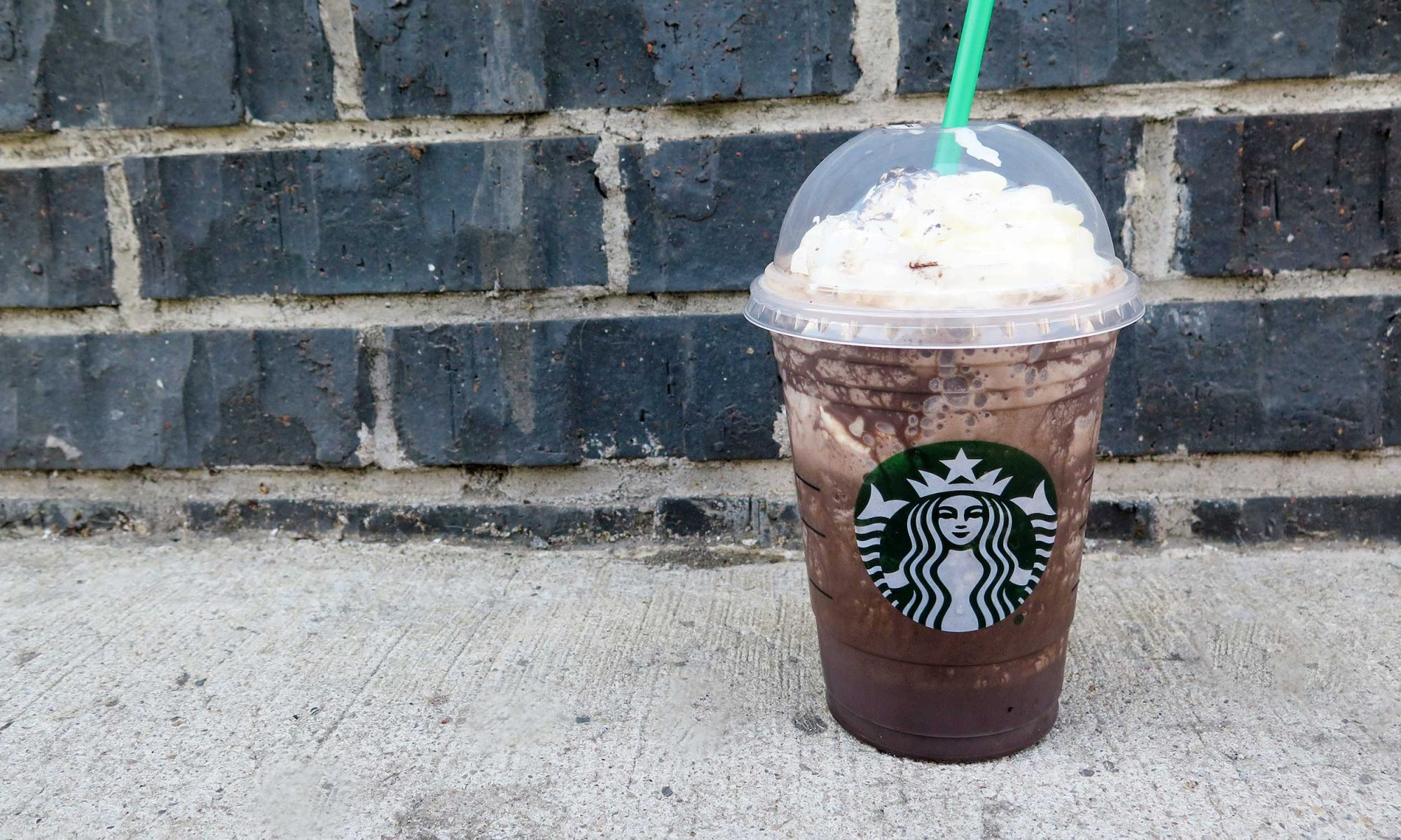 EC: Starbucks Midnight Mint Mocha Frappuccino Is the Antidote to All Things Unicorn