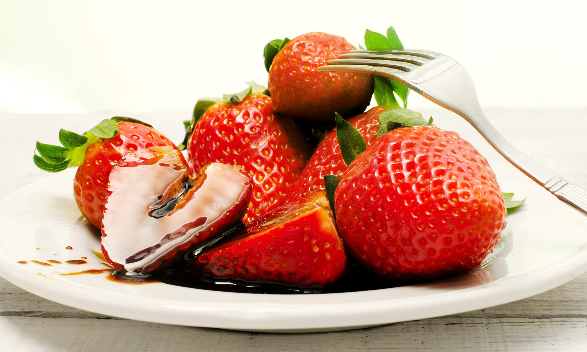 EC: Why You Should Put Vinegar on Your Fruit