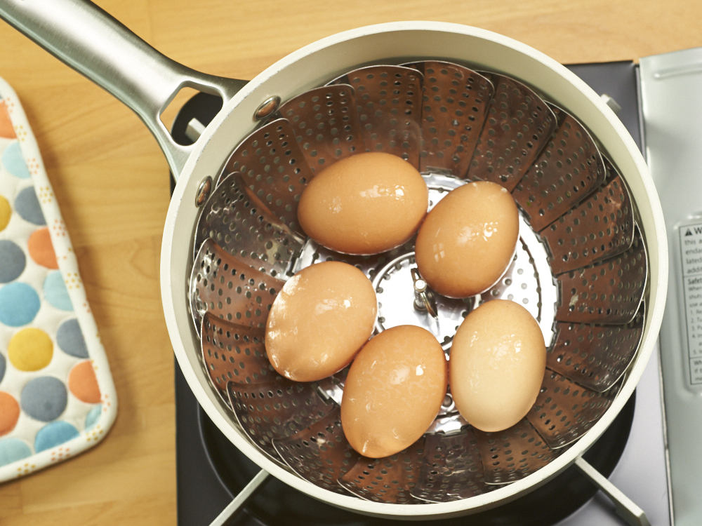 Steaming Eggs