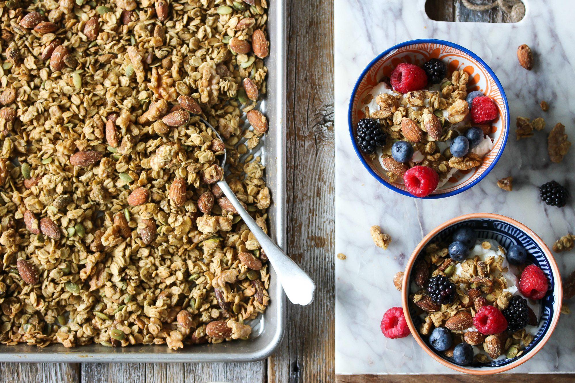 Jennifer Garner Has a Kid-Friendly Granola Recipe and It Looks Amazing TahiniCardamomGranola
