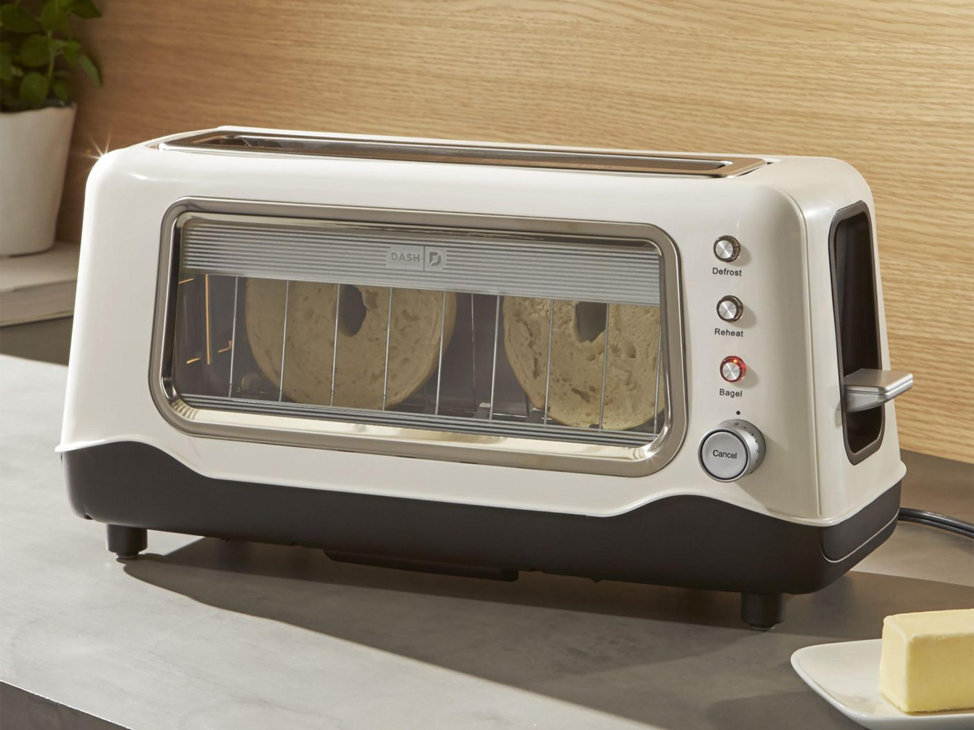 10 Starter-Kitchen Items We Wouldn't Have Bought Ourselves—But We Use All the Time 1804w-Dash-Toaster