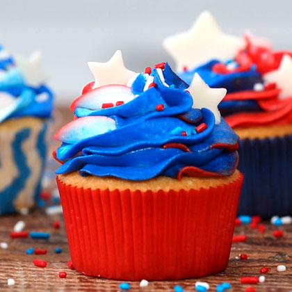 How to Make Red, White, and Blue Cupcakes