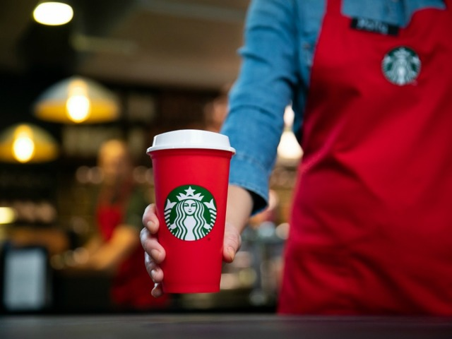 KNXV Starbucks Red Cup Christmas 2018_1541099515081.jpg_101977774_ver1.0_640_480.jpg