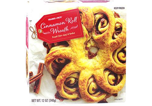 57618-cinnamon-roll-wreath.jpg