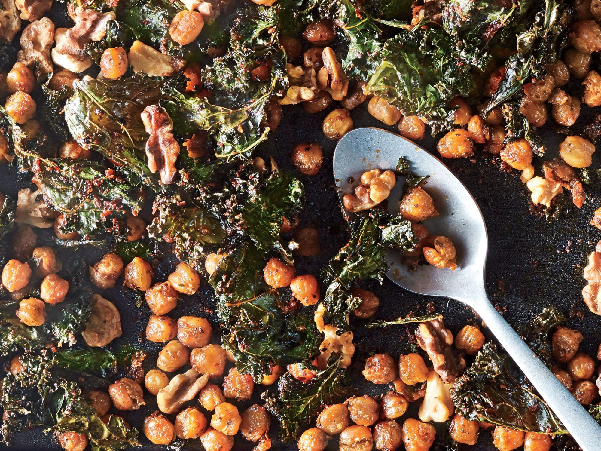 Roasted Kale and Chickpea Snack Mix
